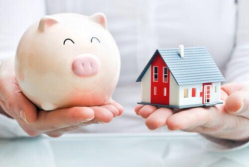 Skarbonka i dom, a oszczędzanie