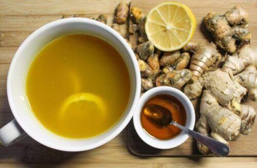 Syrop z miodu i imbiru na przeziębienie