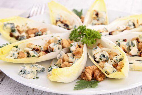 Zdrowe danie, sałatka z cykori
