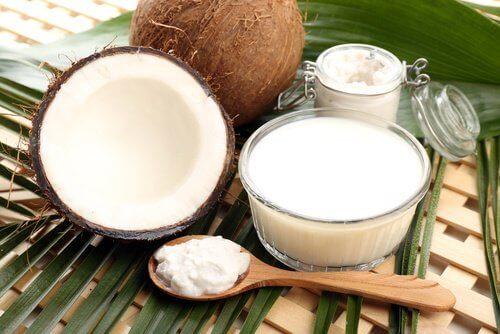 olej kokosowy na dzwonienie w uszach