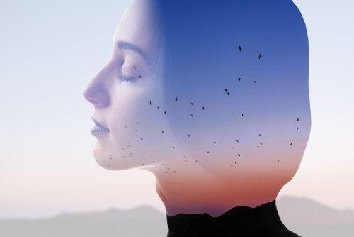 Głowa kobiety - mindfulness