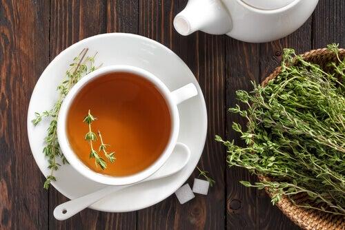 herbata z tymianku na lupiez