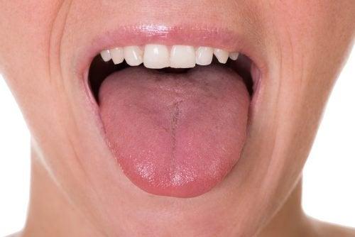poranne nawyki wyczyść język