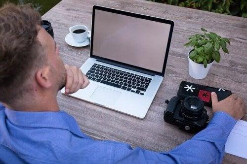 Praca siedząca - jak powinna wyglądać Twoja dieta