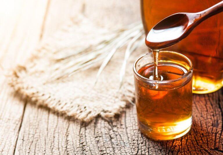 Miód i jego korzyści na kości i stawy