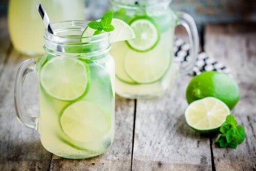 Spal tkankę tłuszczową sięgając po tą pyszną lemoniadę