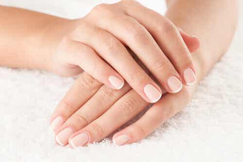Piękne dłonie, które nie zdradzają Twojego wieku...