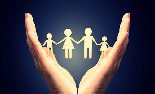 Rodzina na dłoni a toksyczna rodzina