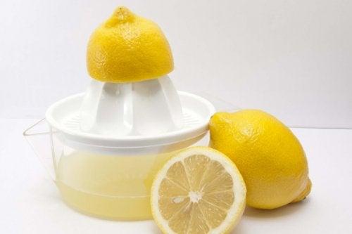 Świeży sok z cytryny na alergie