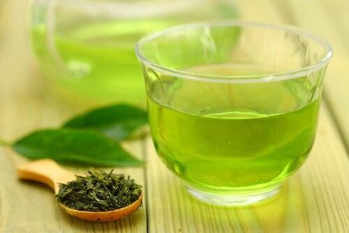 Zielona herbata na odchudzanie.