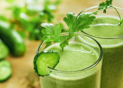 Zielony napój korzystny dla wątroby