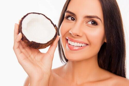 olej kokosowy i jego właściwości dla zdrowia