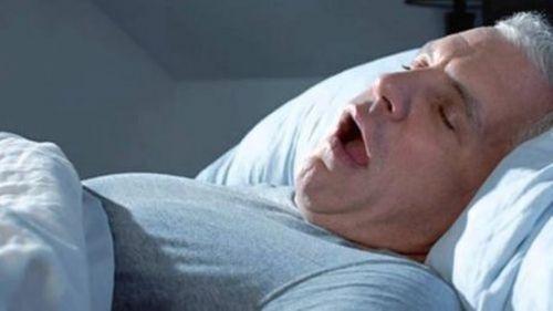 bezdech podczas snu a bezsemność
