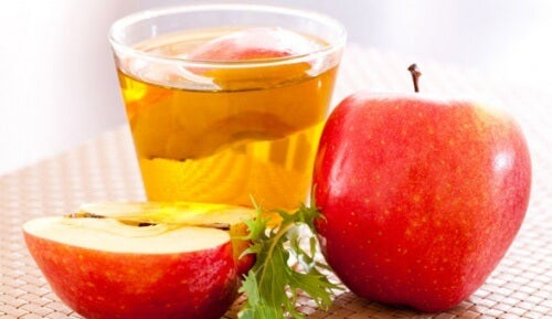 Jabłko i ocet jabłkowy