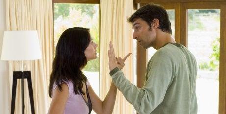Kłótnia pary, kryzys w związku