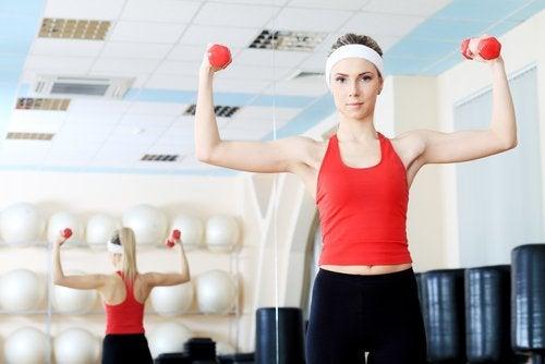 klatka piersiowa ćwiczenia