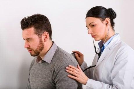 Osłuchiwanie płuc a Nowotwór płuca