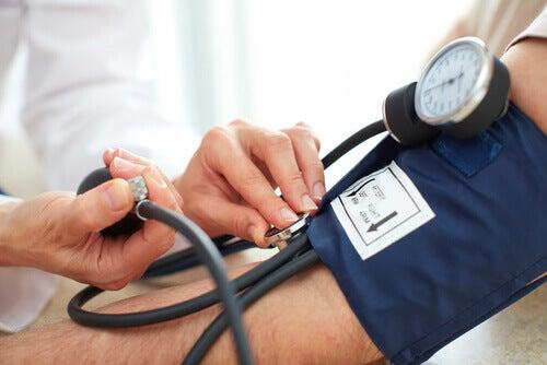 Pomiar ciśnienia tętniczego a niedociśnienie tętnicze