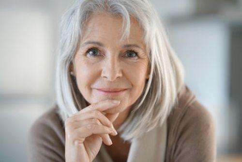siwe włosy, Jedzenie mandarynki spowalnia siwienie włosów