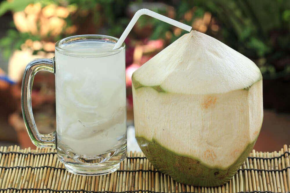 woda kokosowa z cytryną