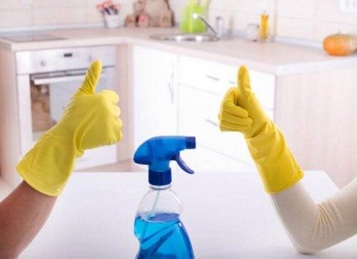 Łazienka – najlepsze sposoby na jej dezynfekcję