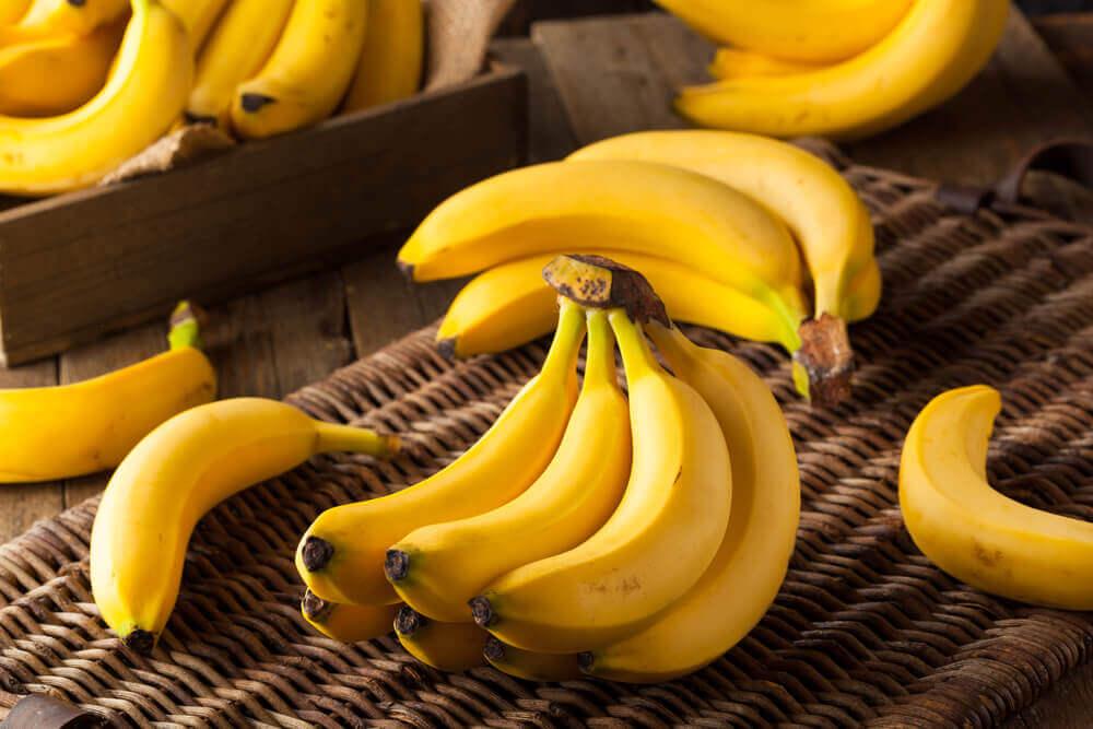 Świeże banany na bananowy pudding