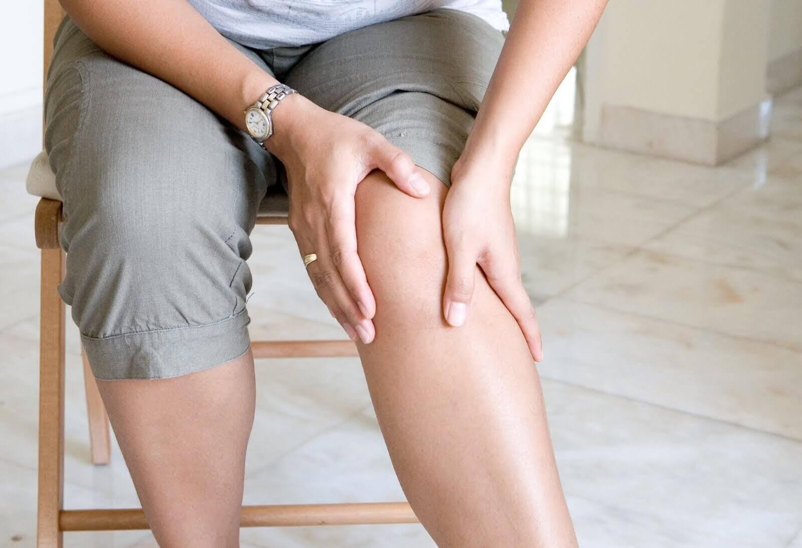 Ból kolana - korzyści ze spożywania kolagenu to silne stawy