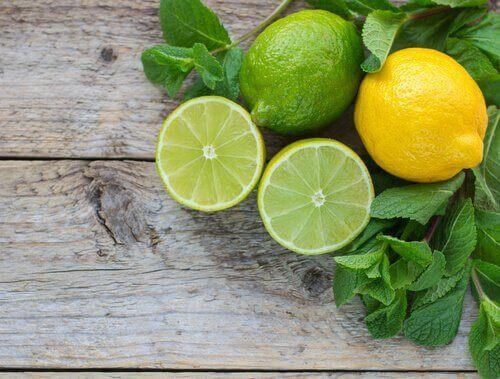 Świeże cytryny owoce