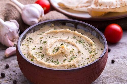 kolacja hummus