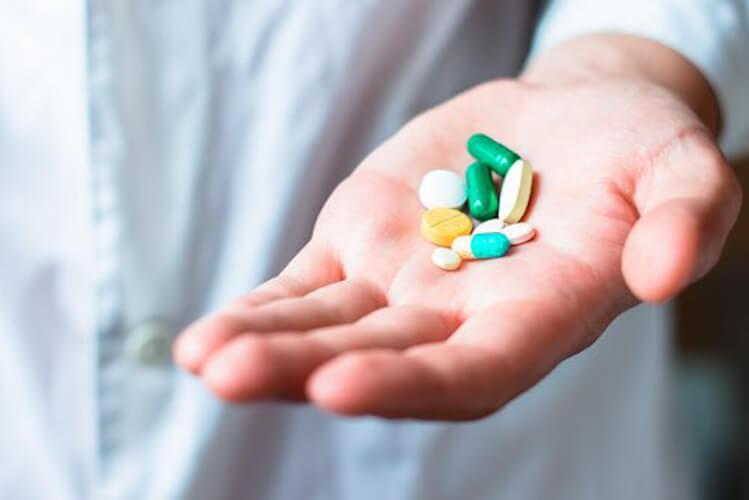 Leki na dłoni