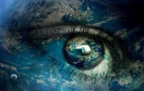 Oko człowieka w śpiączce