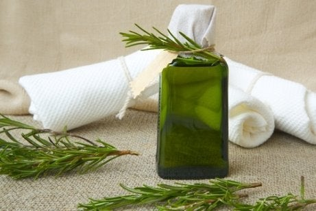 olejek rozmarynowy do sprzątania łazienki