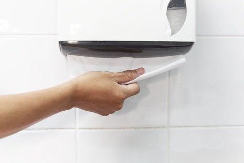 papier do osuszania rąk Toalety publiczne