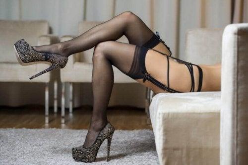 seksowne buty  kobieta w bieliźnie fetysz