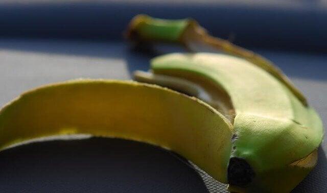 skórka banana banany i plantany