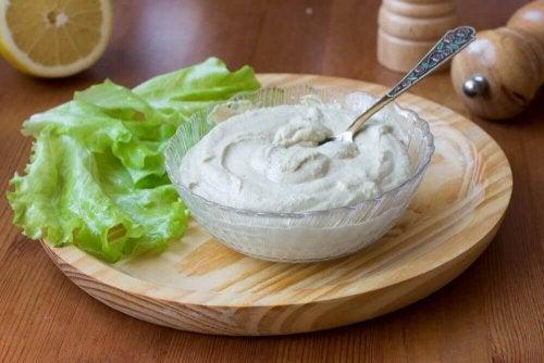 Wegański majonez – pyszny i zdrowy dodatek do dań