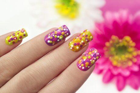 Zdobienie paznokci