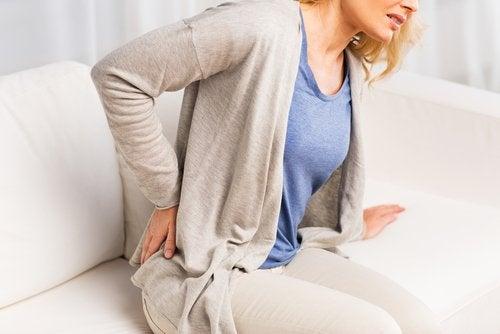 Ból pleców spowodowany kamicą nerkową