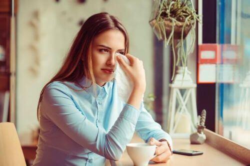 Cierpienie emocjonalne:  jak je przezwyciężyć?