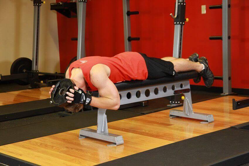 Ćwiczenia na ławeczce na mięśnie szyji