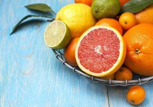 owoce cytrusowe wspomagają zwalczanie kamieni żółciowych