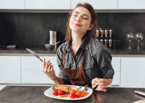 Głód – 10 rzeczy, które sprawiają, że stale chcesz jeść