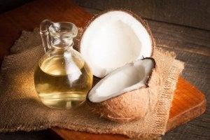 olej kokosowy na zapalenie spojówek