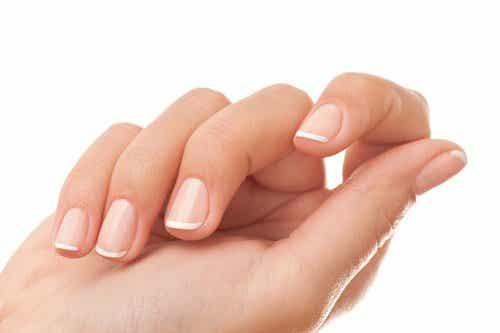 Mocne i lśniące paznokcie - domowe sposoby