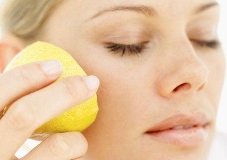 Peeling cytryną