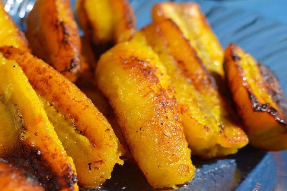 słodkie dojrzałe plantany