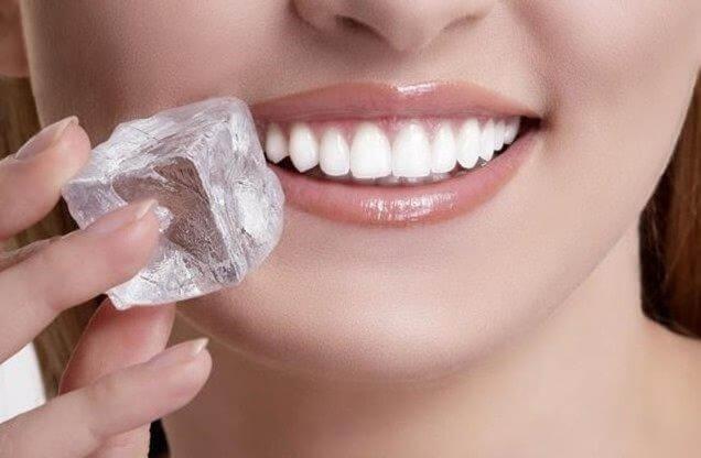 kostka lodu na wrzody w jamie ustnej