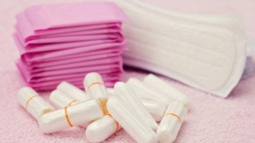 Nieprawidłowości miesiączkowania - tampony i podpaski
