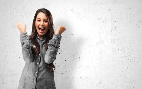 radość i szczęście szczęśliwa kobieta