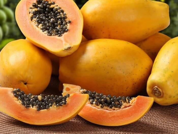 Świeże owoce papai